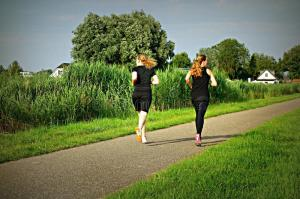 public-domain-dedication-pixabay-digionbew-11-07-07-16-running-girls-low-res-dsc04671-84909946
